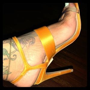 Schutz barely there pump